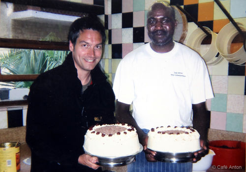 One of Café Anton's famous guests during a visit to Swakopmund: German cabaret artist, comedian, author and TV presenter Dieter Nuhr, who insisted on having a photo taken with bakery assistant Junius Wilpard in the pastry shop.