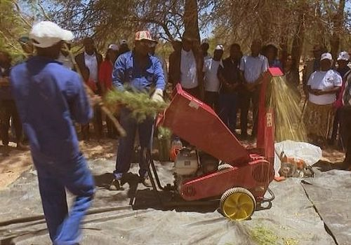 Small wood chippers are used in rural areas to produce animal fodder from Prosopis trees. Photo by: Gumtree